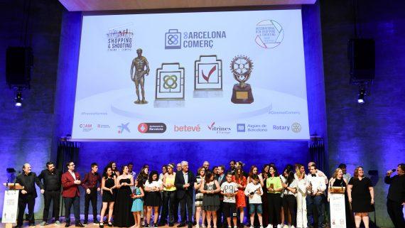 Foto de familia dels participants de la sisena edició