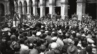 Concert a la plaça de Macià (actual plaça Reial), a càrrec dels Cors de Clavé, el 13 d'octubre de 1935. (Arxiu Fotogràfic de Barcelona / Carlos Pérez de Rozas)