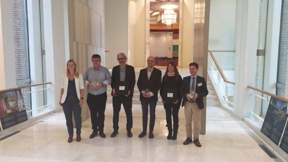 Miembros del IMPD recogiendo el guardón de los premios EPSA