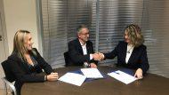 D'esquerra a dreta: Dolors Liria (Coordinadora de la Psicoxarxa), Guillermo Mattioli (Degà del COPC) i Teresa Roigé (Directora General del Programa Làbora)