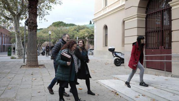 Ada Colau a la Seu del Districte de Sant Martí - AlcaldiaAlsDistrictes