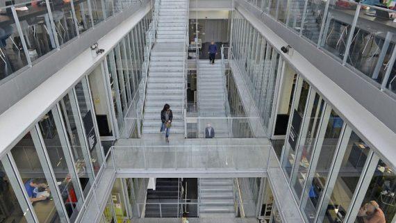 Biblioteca Sagrada Família-Josep Maria Ainaud de Lasarte, escales
