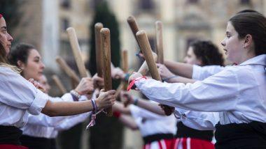 Diada bastonera de Santa Eulàlia. Mostra de balls i cercavila dintre de les festes de Santa Eulàlia 2019