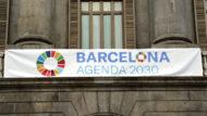Façana Ajuntament amb pancarta Agenda 2030