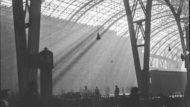 Interior de l'estació de França de Barcelona, abril-maig de 1944. Montserrat Vidal i Barraquer / Arxiu Nacional de Catalunya. Fons Montserrat Vidal i Barraquer