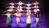 Esbart Català de Dansaires. A plaça! Foto: Toni Lucena