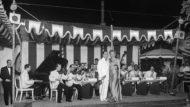 Bernard Hilda y Jenny Morgan a Copacabana (1947). Foto: Alexandre Merletti Quaglia, Camil Merletti Carriba. Institut d'Estudis Fotogràfics de Catalunya