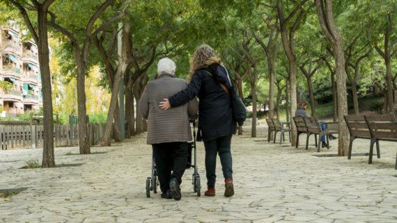 SAD, Servei d'Atenció a Domicili, superilles de les cures, Barcelona, gent gran, dependència