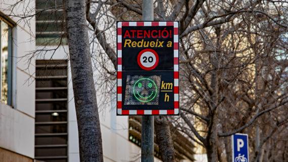 radar reducció de la velocitat     Foto Laura Guerrero/Ajuntament de Bcn.