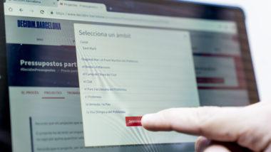 Decidim barcelona, participació ciutadana, pantalla tàctil