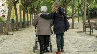 Dones, gent gran, SAD, servei d'atenció domiciliària, cures, Barcelona