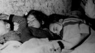 nens dormint, ciutat dels refugis, guerra civil, metro provença