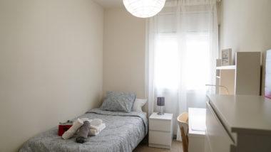 CRI La Violeta, sensellarisme, equipament per a dones sensellar, habitació, llit, dones
